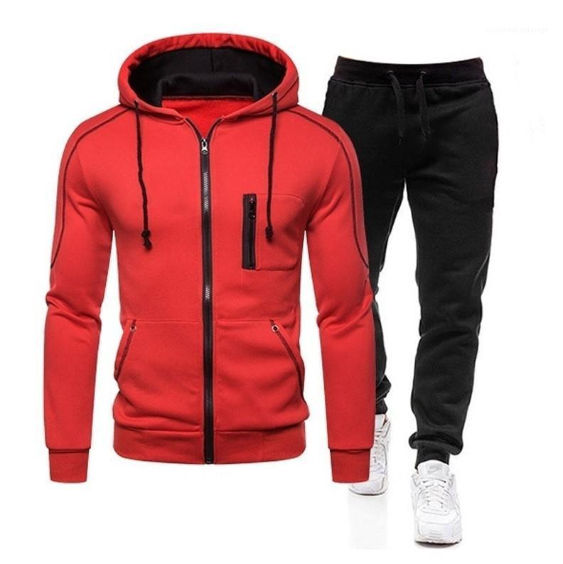 Mens Designer Fatos Moda manga comprida com capuz duas partes tornozelo Banded Pants Mens Primavera 2pcs Color Contrast