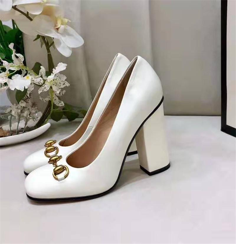 2020 nuevas mujeres del diseñador de moda de lujo de marca zapatos de tacones altos de moda de la marca de lujo las mujeres del diseñador de zapatos gruesos Tacones mujeres visten los zapatos 35-42