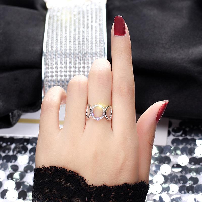 2018 New Sleek Minimalist Inlaid Zircon Ladies Open Ring