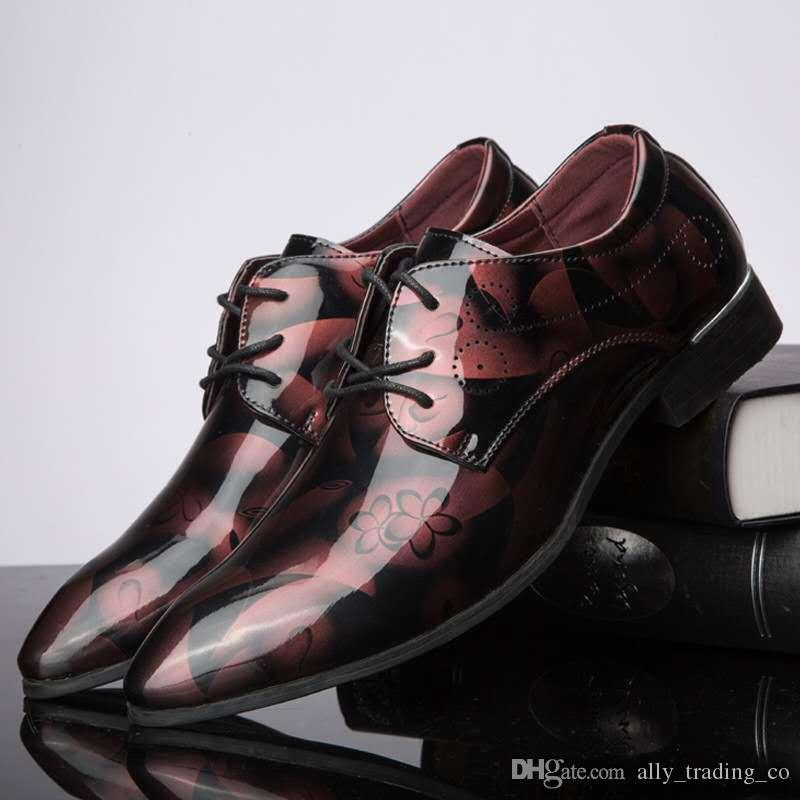 Hochwertiges italienisches Luxuslackleder Oxford Schuhe für Männer Kleid Schuhe Herren Formelle Schuhe Spitzen Zehe-Geschäft Hochzeit
