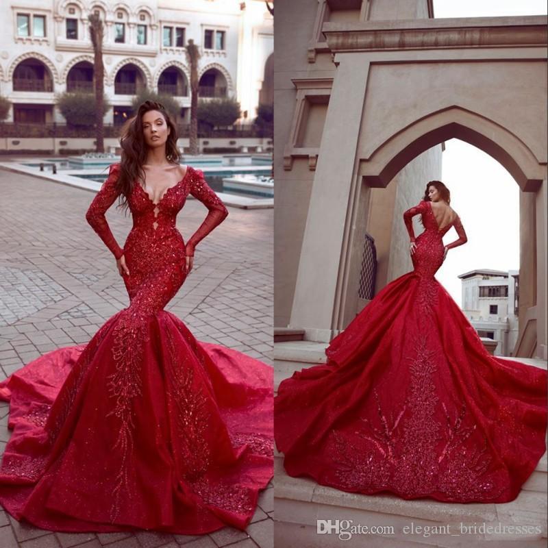 Arabisch Abendkleider 2019 Red SpitzeAppliques lange Ärmel V-Ausschnitt Mermaid Abendkleider Sweep Zug formales Partei-Kleid