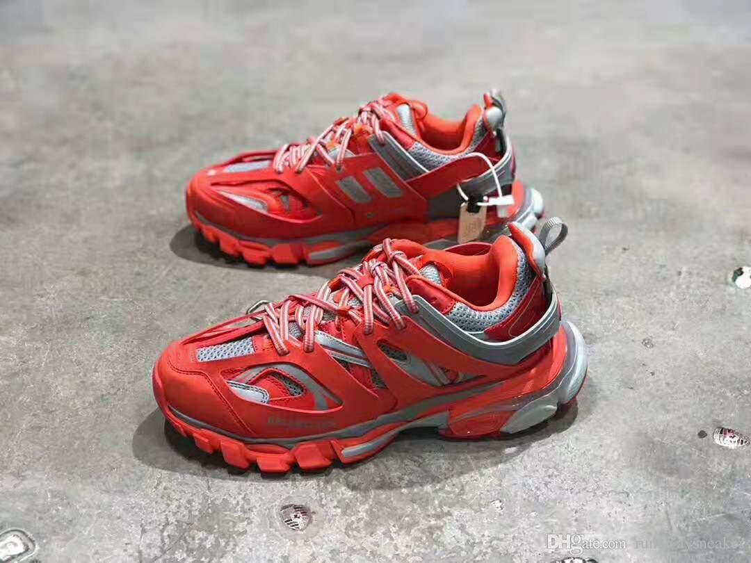 Nueva populares zapatos de diseño tendencia retro Joker Pista formadores de malla Hombres Mujeres top de cuero rojo de plata Tamaño zapatillas de deporte casuales 35-45