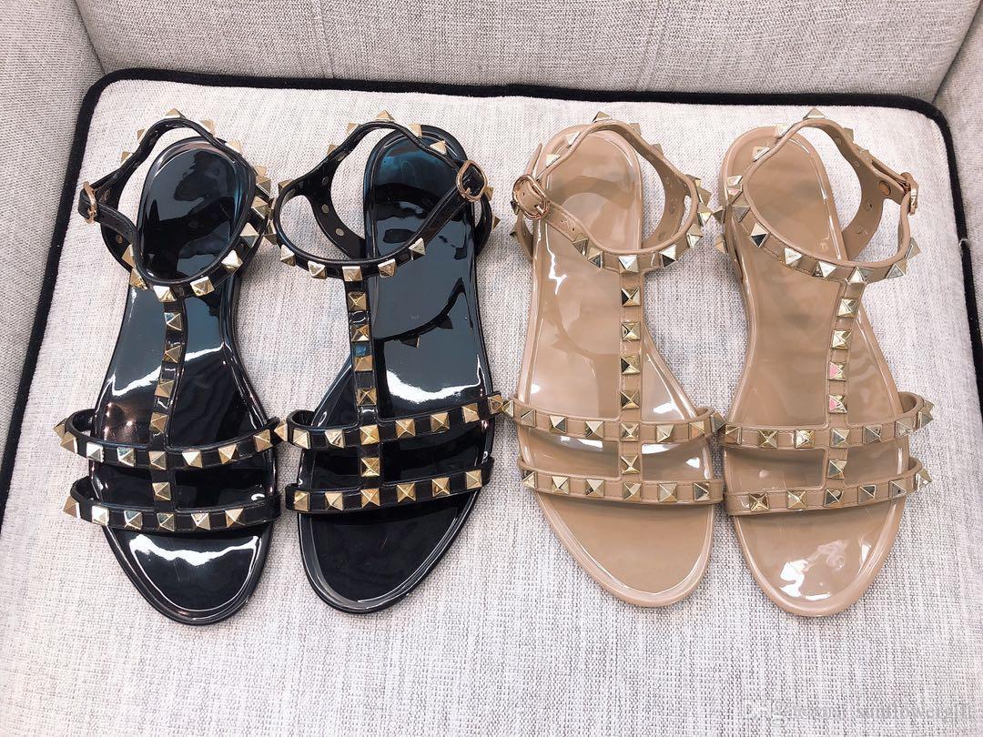 New Style Rivet Mulheres Verão Couro Flats Apricot Black White alta Chinelos Qualidade Moda Calçados Femininos