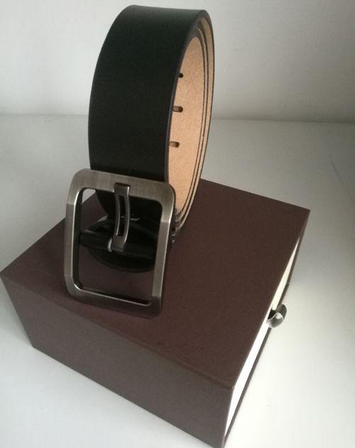 Nuove cinghie progettista mens cinghia di affari del progettista cinghie di cuoio di fibbie per cinture di lusso cinturino nero fibbia grande oro delle donne regalo cintura con scatola
