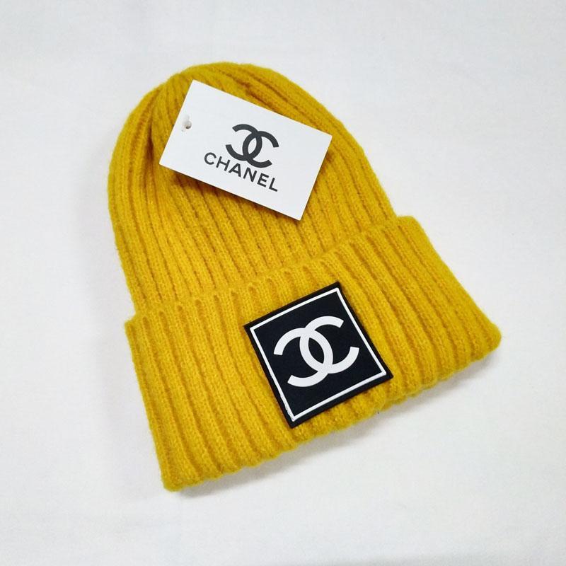 tendenza fresco Uomo in cappello multicolore inverno lettera nastro di lana decorativa calda lavorata a maglia