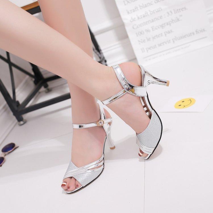 Fairy2019 Xi Ji Mulheres Sapatos Uma Fivela Traga Bem Com o Tempo de Rua Popular Oco Fora Sandálias