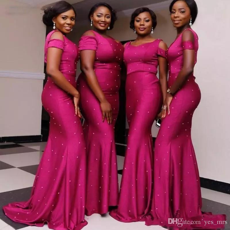 2020 새로운 저렴한 인어 신부 들러리 드레스 새틴 보석 오프 어깨 짧은 소매 파란색 층 길이 웨딩 게스트 가운 들러리 드레스