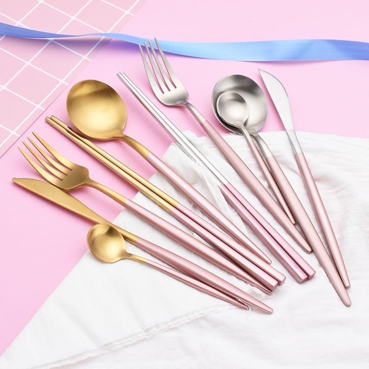 Louça de talheres da faca do garfo da colher de mesa Wed com o punho cor-de-rosa