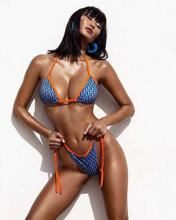 2020 Summer fashion swimsuit, bikini, outdoor beach must-have split style sexy swimsuit bikini, monogram print, free shipping