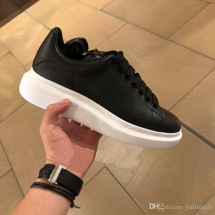 Cuoio di alta qualità di modo delle donne dei nuovi uomini caldi Low Top scarpe da ginnastica bianche scarpe Scarpa con la scatola