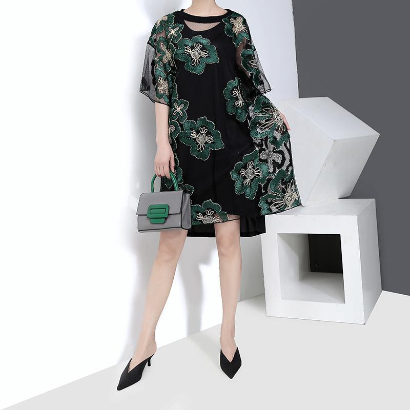2019 Style coréen Femmes Été Vert Floral Dentelle Robe Plus La Taille Transparent Dames Sexy Party Club Midi Robes Robe Femme F1025