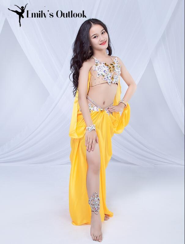 여자 브라 스커트 2 피스 밸리 댄스 의상 겨울 어린이 오리엔탈 댄스 쇼 의상 수제 고급 성능 정장 노란색