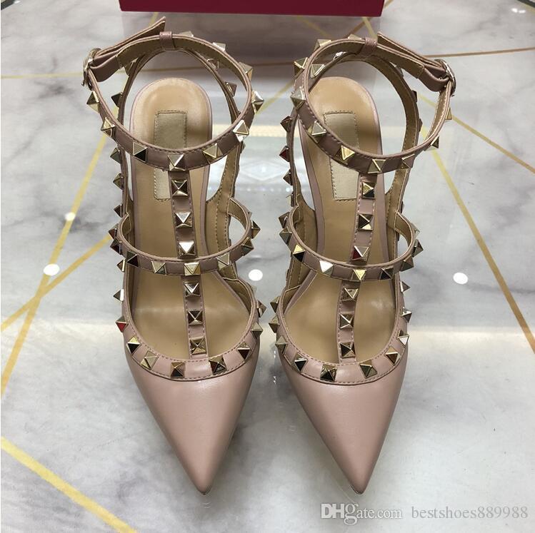 2019 marca de fábrica mujeres bombea los zapatos de mujer de la boda tacones altos de la sandalia desnuda Moda correas del tobillo de los remaches se inclina los zapatos alto atractivos zapatos de novia