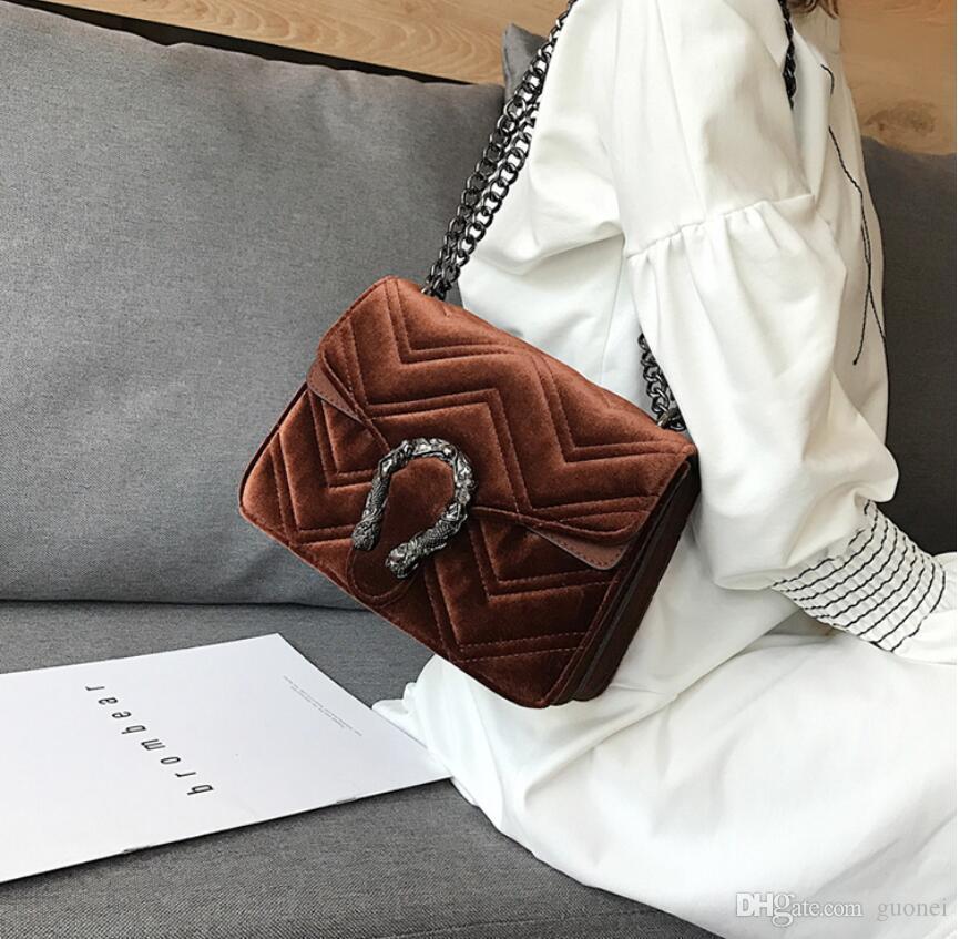 2021 çanta zincir yeni yılan kilidi işlemeli dalgalı klasik kış hattı tasarımcı kadife kadın çanta zarif mizaç küçük eafek