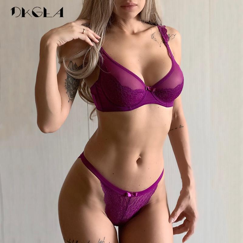 Conjunto ultrafino B C D Copa de las mujeres del sujetador de la ropa interior del bordado del nuevo sujetador atractivo de las bragas Conjunto púrpura del cordón sujetador ropa interior transparente