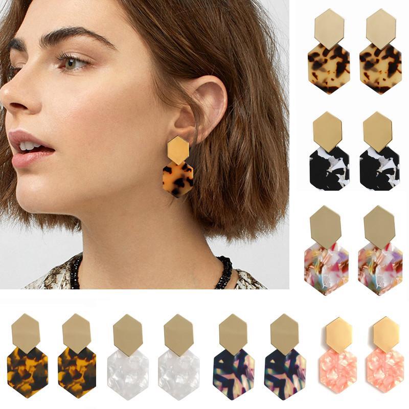 7 Farben Neue Geometric Acryl-Charme-Ohrringe für Frauen Bohemian Einfach Hexagonal-Diamant-Metallohrring-Bolzen Modeschmuck Accessoires