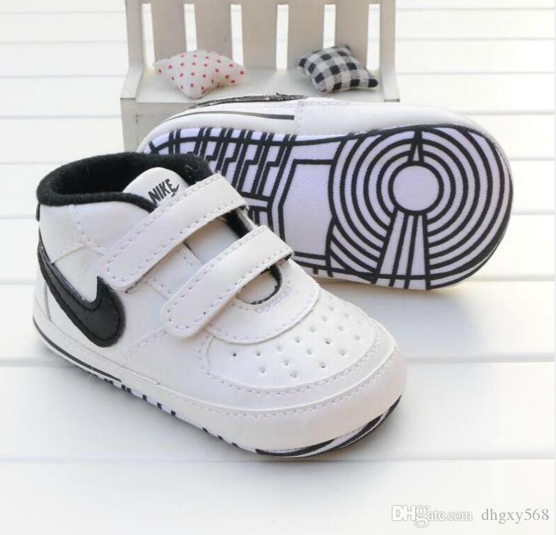 Der Fabrik-Kleinkindschuhe Baumwolle Schuhe weichen Boden Frühling und Herbst rutschfeste Babyspitzeprinzessinschuhe