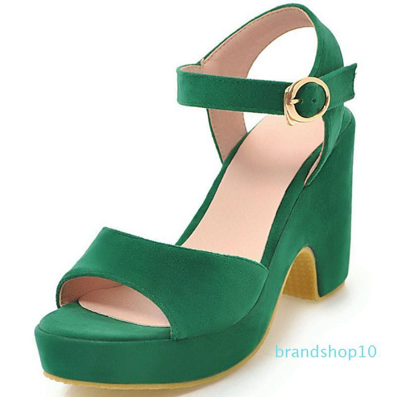 Hot2019 Chaussures Femmes GROSSIERS plate-forme imperméable fraîche Noodles Sandales d'été Une police pour de nombreuses années de vie D2068