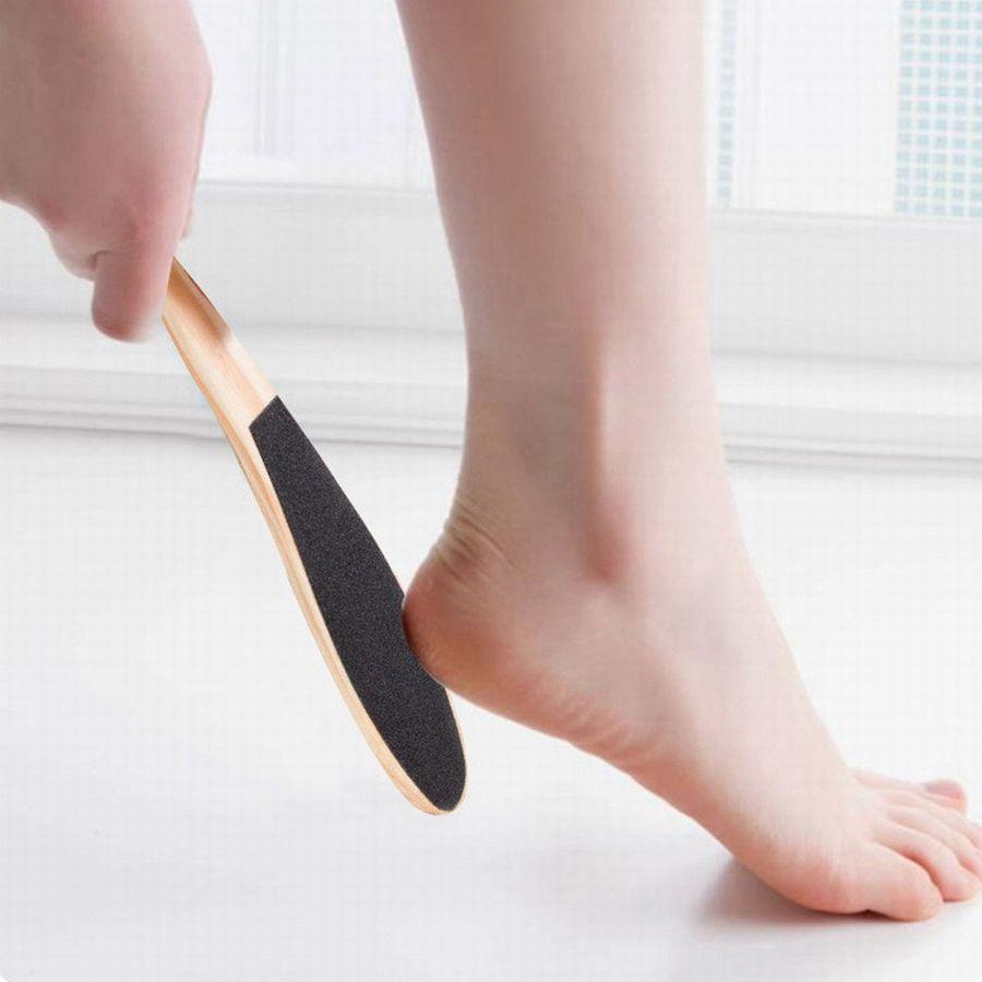 الخشب القدم الجلد القدم النظيفة Scruber الجلد الصلب مزيل بالأقدام فرشاة صحي الميت العناية بالبشرة قدم مزيل الأظافر أداة RRA1434