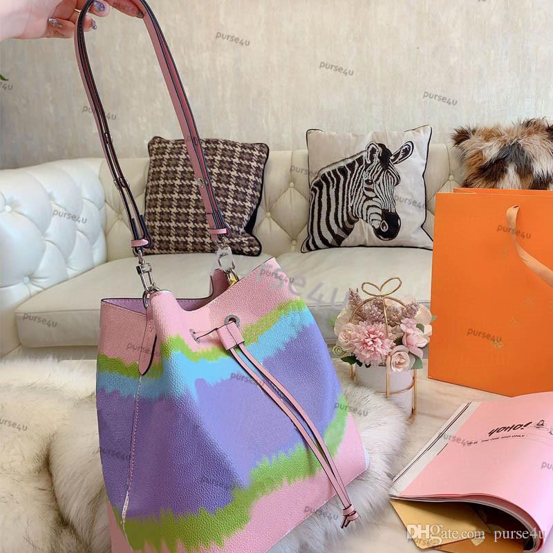 Kadın için Kadın Designer Pastel Pembe Kepçe Çanta Çanta Batik Moda İpli Omuz Kepçe Çanta Tasarımcı Lüks Çantalar