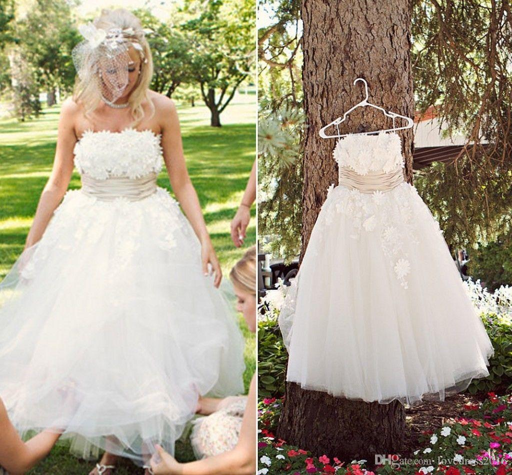 Hot Sale 3D-Floral Appliques Strapless Wedding Dresses A Line Tulle Bridal Gowns Zipper Back 2019 Formal Party Gowns for Bride