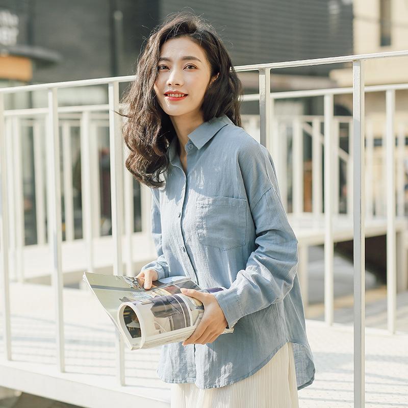 Blusas para mujer Camisas 303-1820 Japón y Corea del Sur Spring Solapa Botón abierto Color Sólido Bolsillo de manga larga Camisa de algodón