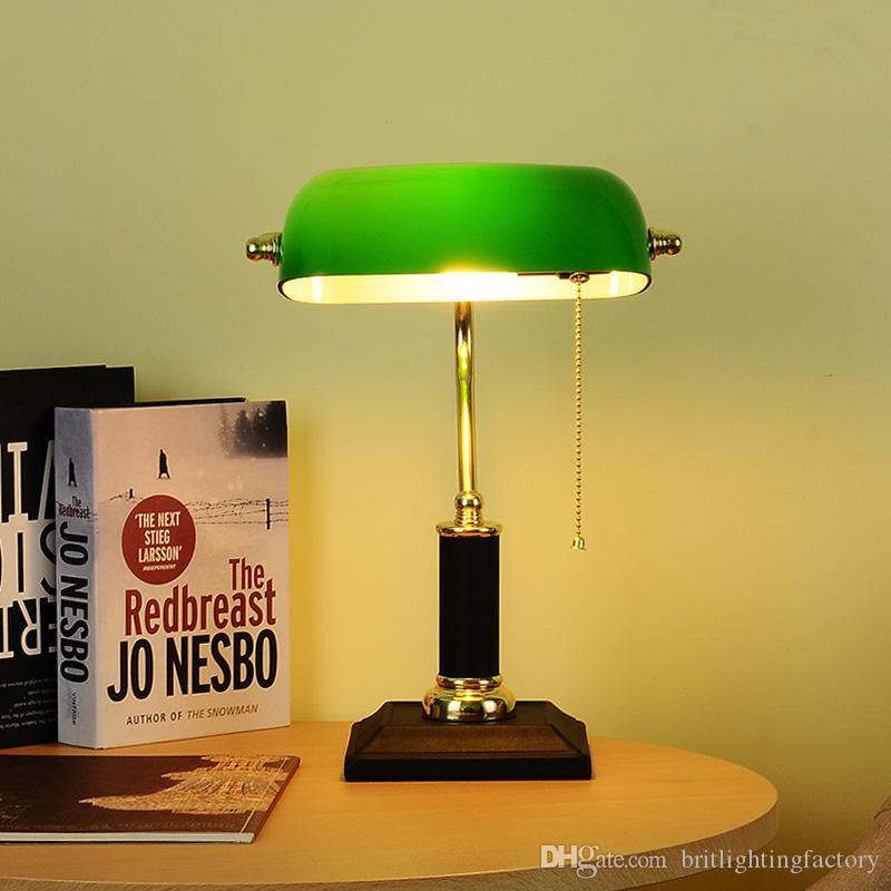 Lampada da tavolo Retro Arte Vintage Green Film Desk Lamp americano Camera da letto Comodino portato Ufficio Studi della luce da tavolo Desk Lamp Pull Nostalgic Light Table