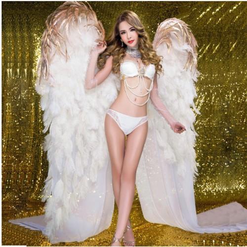 le riprese di grandi dimensioni bella ali di angelo bianco Automobile mostra presenta prestazioni fase di nozze puntelli handmade puro