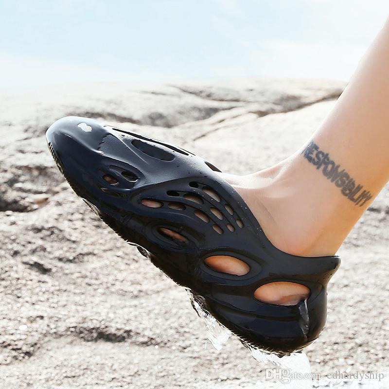 2020 Moda 700V3 Kanye West estorbo sandalia negro blanco sandalias de playa de arena roja zapatilla de la moda de las mujeres para hombre del diseñador recipientes antideslizantes para el 36-44