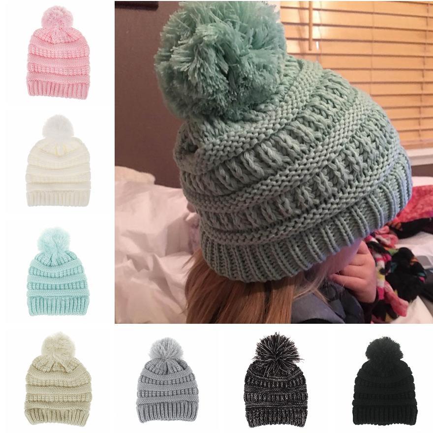 لطيف طفل محبوك قبعة أزياء أطفال الشتاء الدافئ القبعات الناعمة الفراء بوم الكرة قبعات كاندي اللون الكروشيه قبعة كاب TTA1599