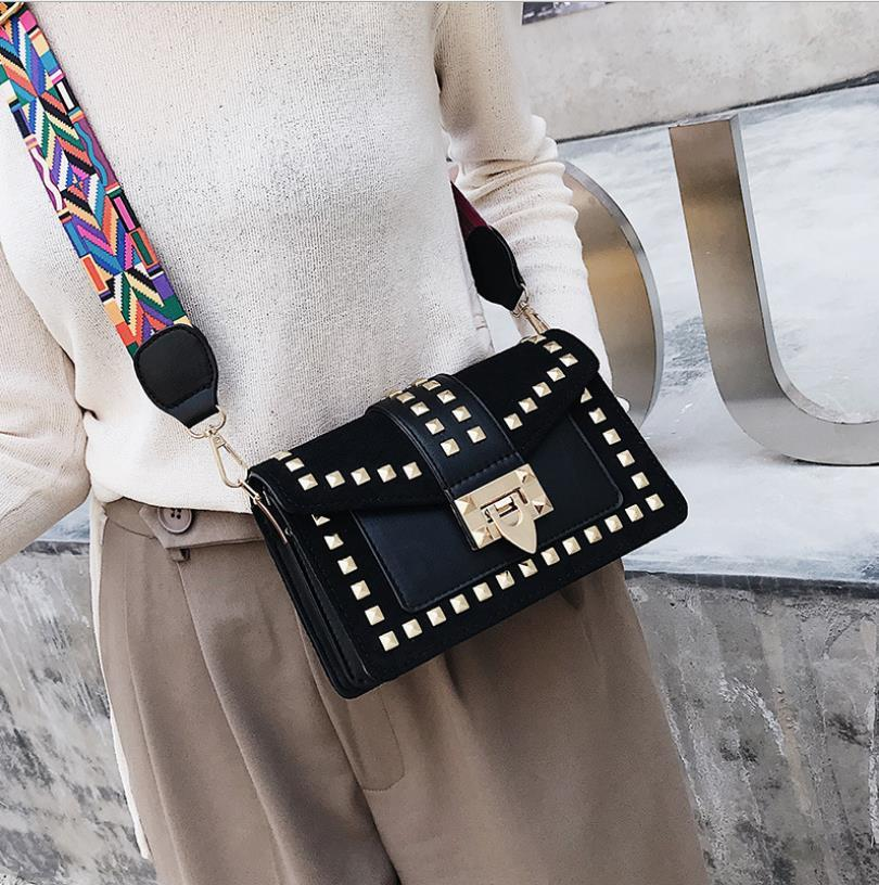 Women's Bag 2020 New Fashion Small Square Bag with Rivets Fairy Versatile One Shoulder Handbag Messenger Bags