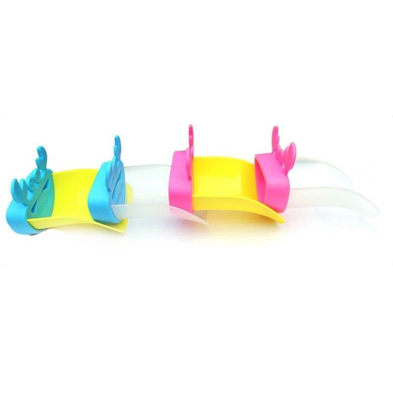 Bonito torneira pia do banheiro Chute Extender Caranguejo das crianças das crianças Mãos de lavagem do bebê criativa dos desenhos animados Água Diverter plástico