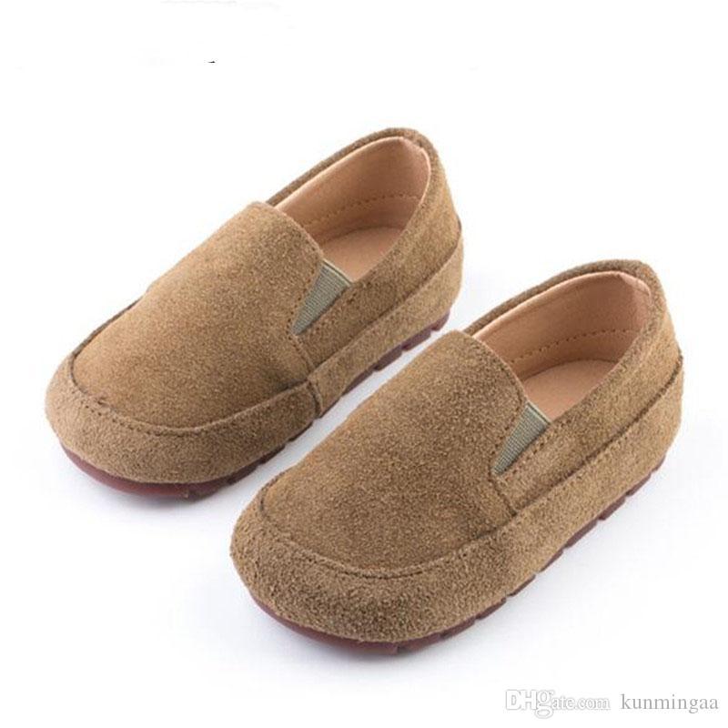 Los nuevos niños de los zapatos de bebé del niño de fondo flexible y transpirable Flats genuino Estudiante de cuero de estilo británico de los holgazanes de los muchachos Zapatos Niños
