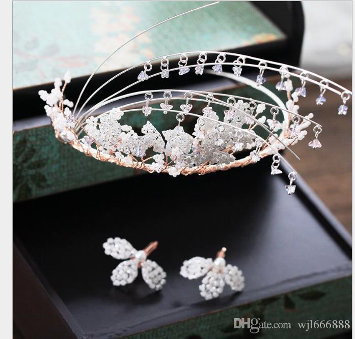 Contas de pérolas são aros de cabelo de coroa, enfeites de cabelo de casamento, brincos, ternos, vestidos de noiva e acessórios