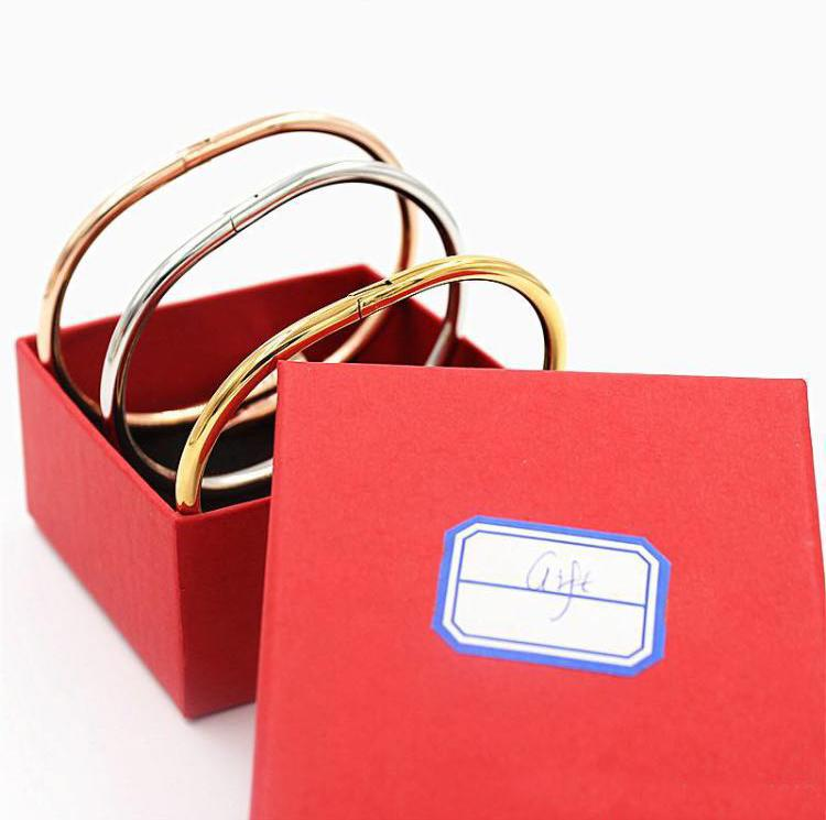 상자 TOP 브랜드 디자이너 네일 팔찌 316L 스테인레스 스틸 유무 로고는 남성과 여성 파티 커플 애호가 선물 고급 보석 팔찌