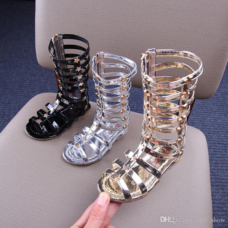 여름 아기 소녀 검투사 샌들 중공 로마 샌들 어린이 무릎 부츠 키즈 플랫 반짝이 스타 지퍼 우레탄 신발