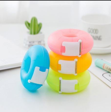 Renkli Çörek Pratik Şeffaf Plastik Yapıştırıcı Bant Dağıtıcı Ofis Masaüstü Bant Tutucu Ile Kesici