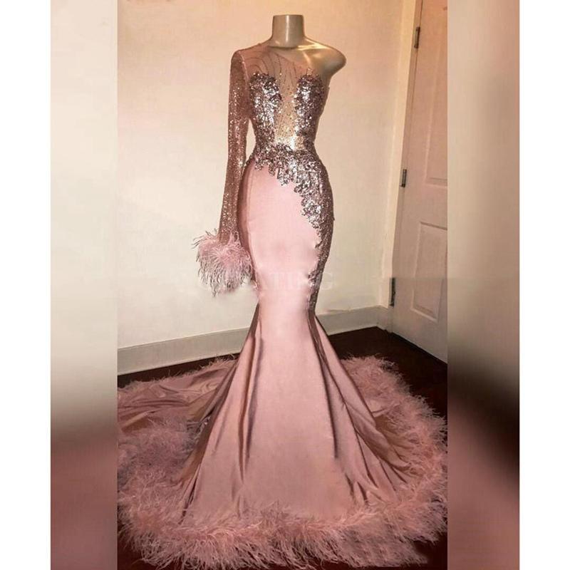 Une épaule robes de bal avec des plumes asymétrique sirène manches longues robe de soirée robe de bal Sheer Appliques cocktail robe de bal