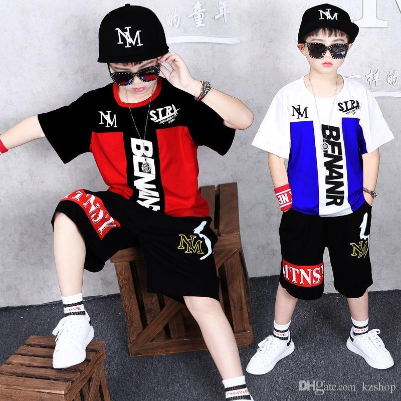 Nouveaux garçons Vêtement de Sport Costume d'été Vêtements pour enfants Mode Ronde Casual Neck T-shirt Hip-hop Shorts manches courtes Sweat 2 Set