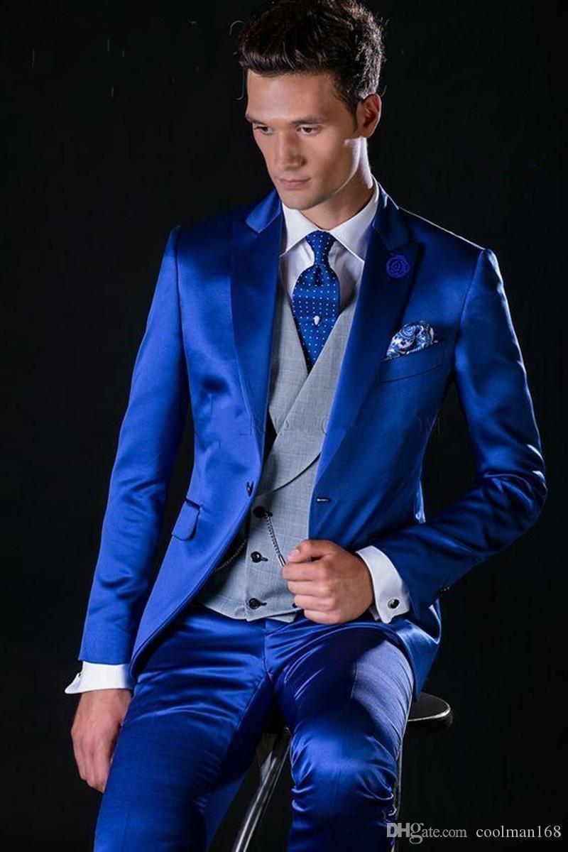 Royal Blue Groom Tuxedos Пик нагрудные Slim Fit Groomsmen Mens свадебное платье Отлично Человек куртка Blazer 3 шт Костюм (куртка + брюки + жилет + галстук) 18