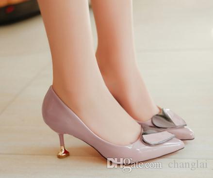 2019 chaussures pour femmes au printemps et en automne avec talon haut de style Nouveau talon haut de style Nouveau