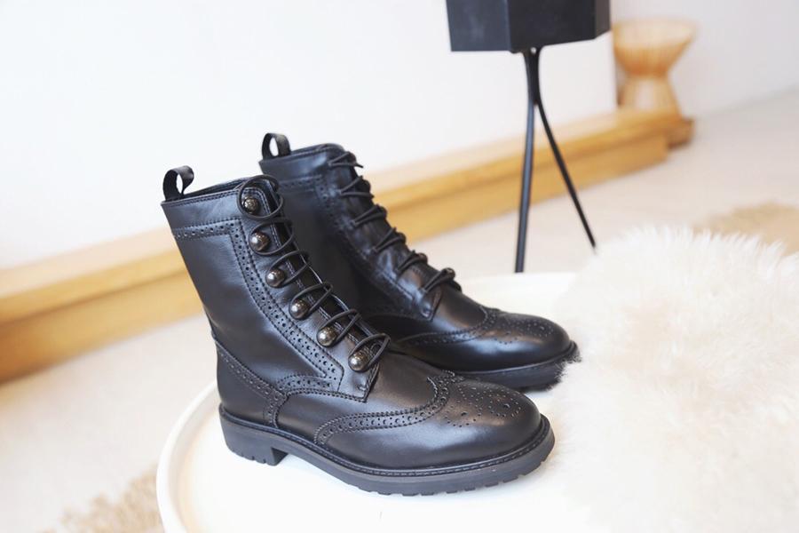 Sıcak Satış-Tasarımcı CD Marka brogues Bilek Boots Orjinal Deri Dantel-up Orta Siyah Sıcak Klasik Motosiklet Patik 35-40
