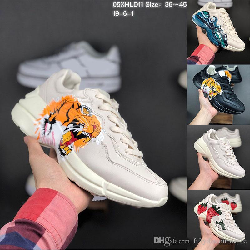 2019 أحدث حجر الرايت جلد حذاء رجل مصمم أحذية مع الفراولة موجة الفم النمر طباعة الفاخرة خمر المدرب المرأة مصمم الأحذية