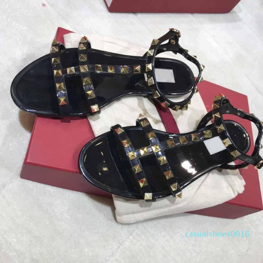 Mode Femmes Designer Sandales mode de luxe de femmes Chaussures Rivets Big bowknot Summer Beach Slides Chaussures pour dames Sandales Jelly C16
