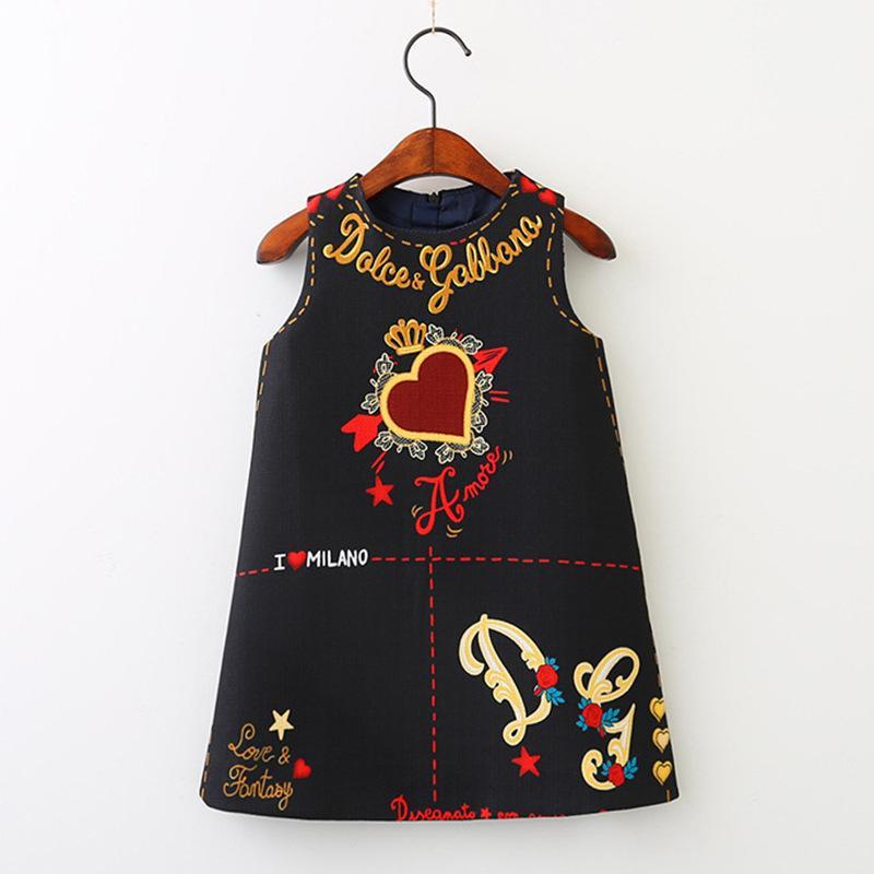 Baby-Kleid-Sommer Ärmel Valentinstag Love Heart Printed A-Linie Prinzessin-Kleid-Baby-Mädchen-Kleider für Kinder Designerkleidung
