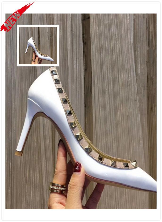 Designer a Punta borchie tacchi alti Rivetti In Pelle Sandali Scarpe Da Donna San Valentino Scarpe Col Tacco Alto vendere bene