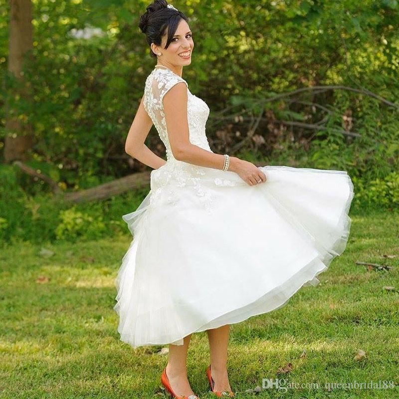 2019 Country Summer A Line Wedding Dresses with Lace Applique Capped Sleeves Bridal Party Gowns Cheap Bride Dresses
