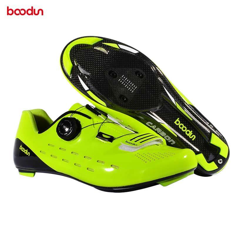 Carbon Fiber Велоспорт обувь Дорожный велосипед Самоторможение обувь Ultralight велосипед Триатлон замок кроссовки гонки