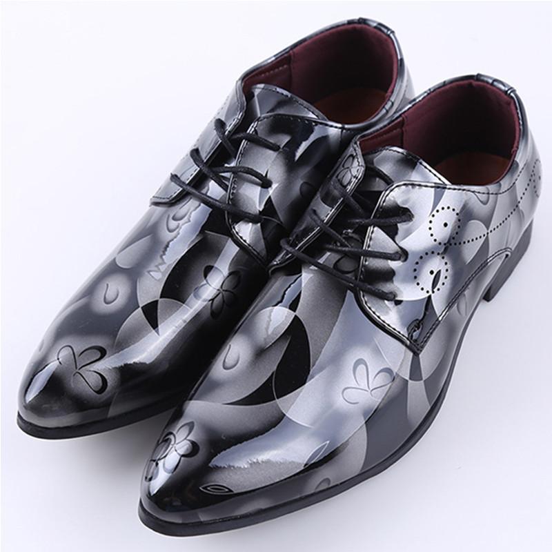 Padrão Designer Homens vestido formal Sapatos Masculinos Sapatos Moda de casamento Couro Homens Loafers Chaussure Homme Bullock Shoes dfv4