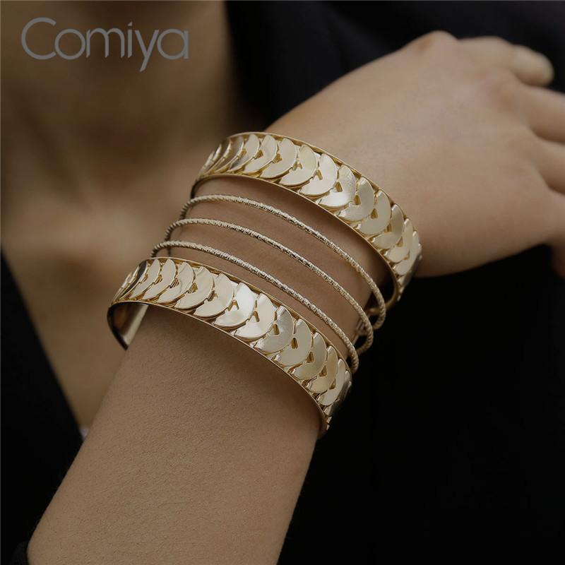 Comiya large Bangle évider feuilles Charms Accessoires Feminino Bangle bras en alliage de zinc ouvert Bracelet pour Femmes Filles Bijoux